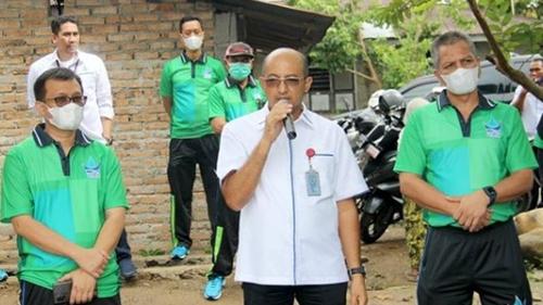 Bedah Rumah Bersama Perumda Air Minum Kota Padang, Almiwandri Terharu