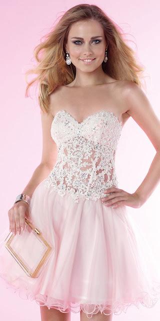 vestidos con corset de corazon