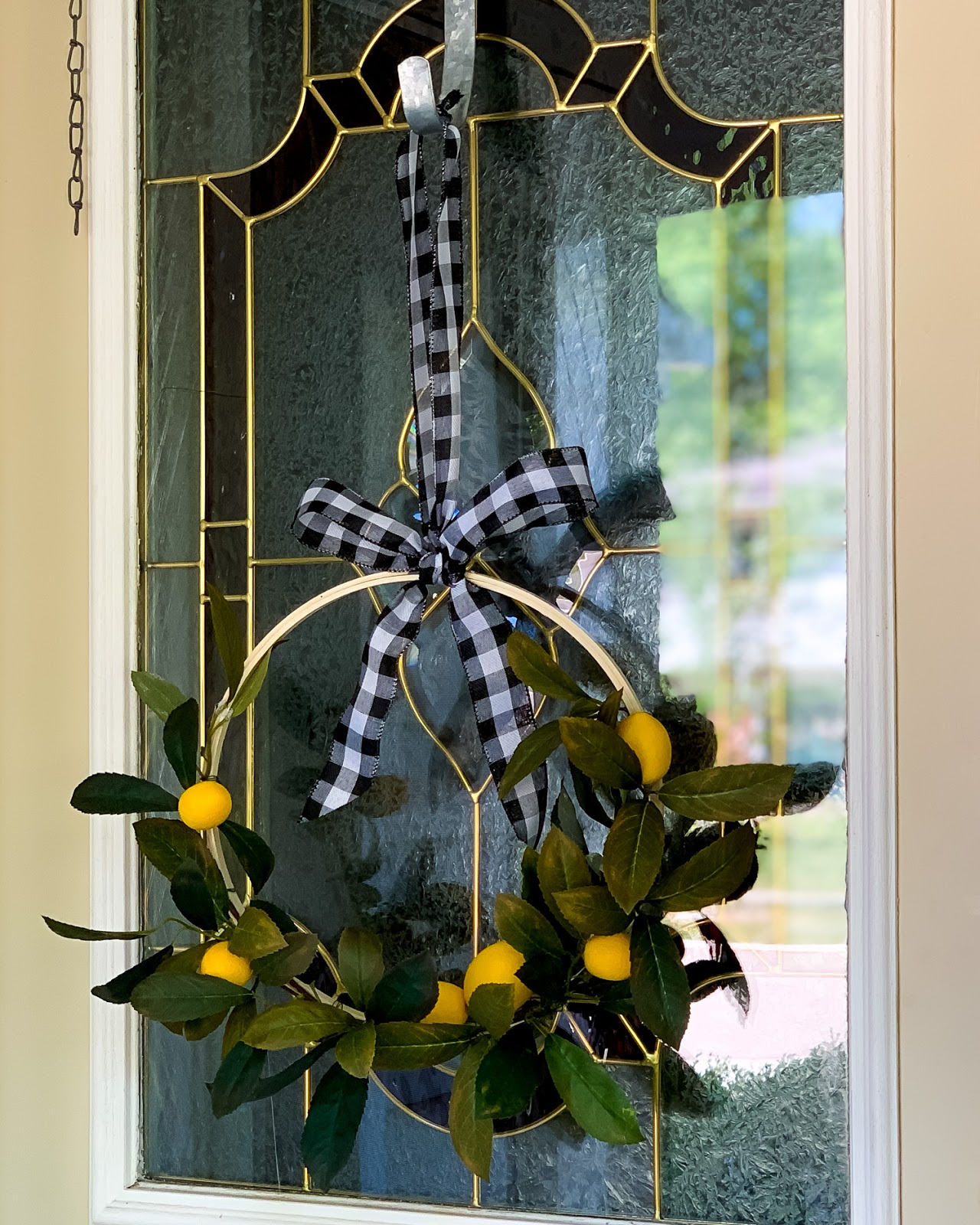 DIY Lemon Hoop Wreath Tutorial