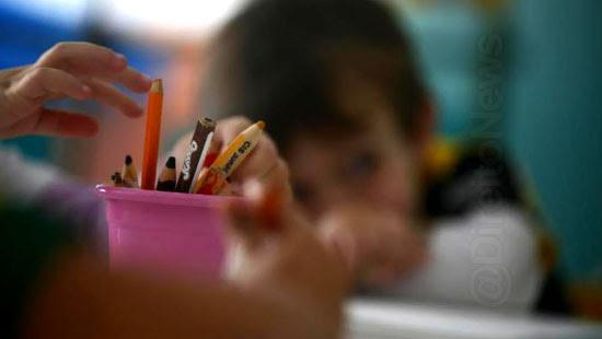 lei criancas cinco anos escola inconstitucional