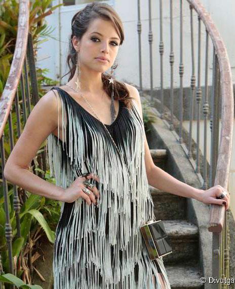 Figurino, Camila (Agatha Moreira) Haja Coração, vestido festa
