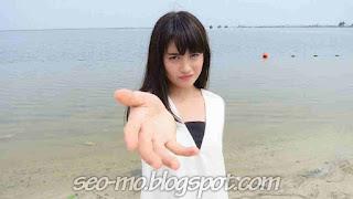 Gambar Foto Cantik Nabilah JKT48 di Pantai
