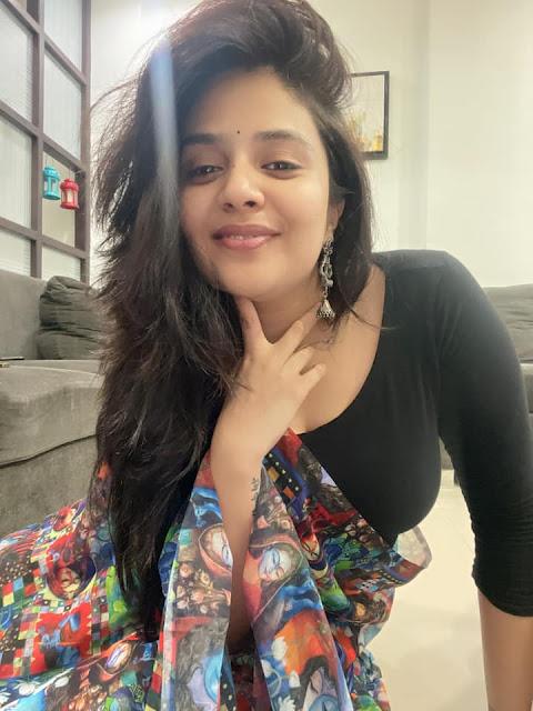 Actress Sreemukhi Latest Photoshoot Stills in Designer Digital Printed Saree Actress Trend