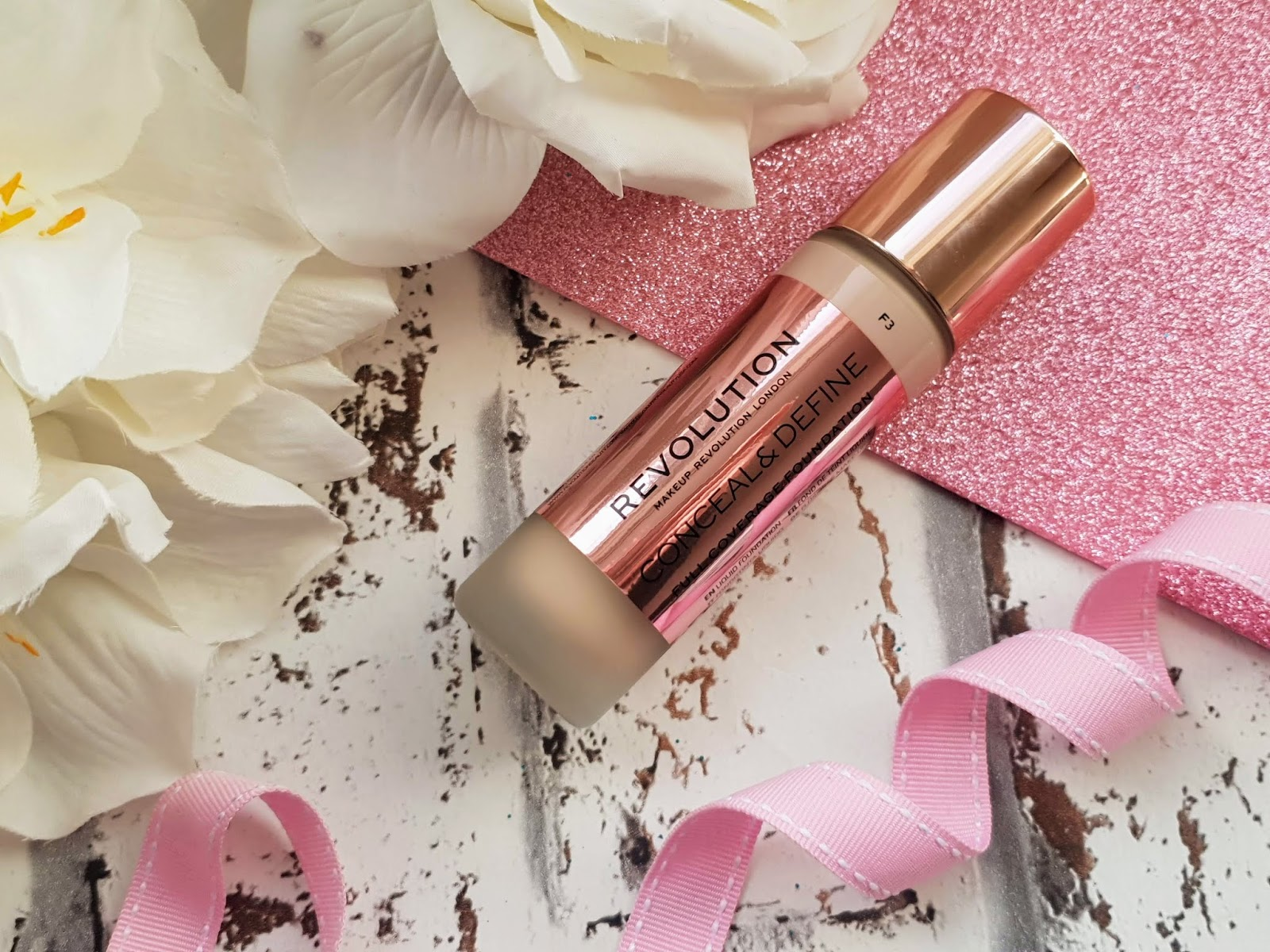 Makeup Revolution Conceal and Define Foundation