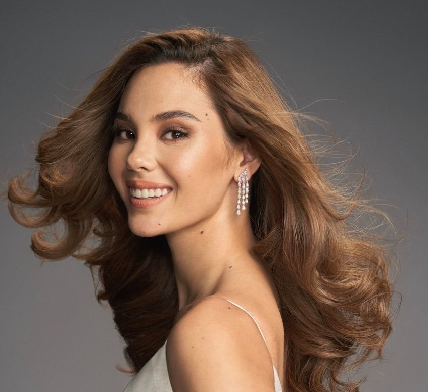 The 'Unbothered Queen': Catriona Gray's Acoustic Cover Of Single Amazes Filipinos Amid Controversies