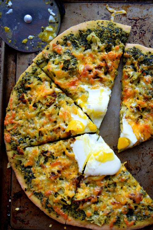breakfast pizza, hashbrown, kale pesto, breakfast recipe, brunch recipe