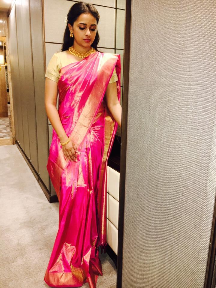 Sri Divya Latest Beautiful Pink Saree Stills