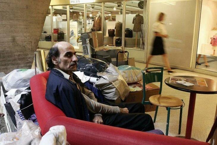 El refugiado iraní que vivió 18 años en un aeropuerto