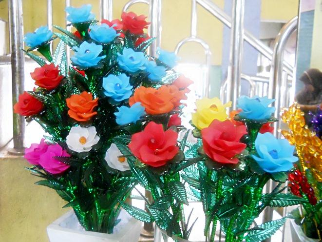 Kreasi Craft  Tutorial bunga dari manik dan mote 3f5a752341