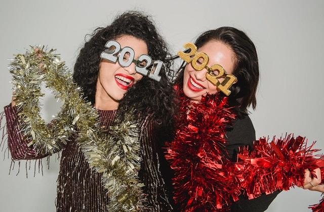 women celebrating 2021