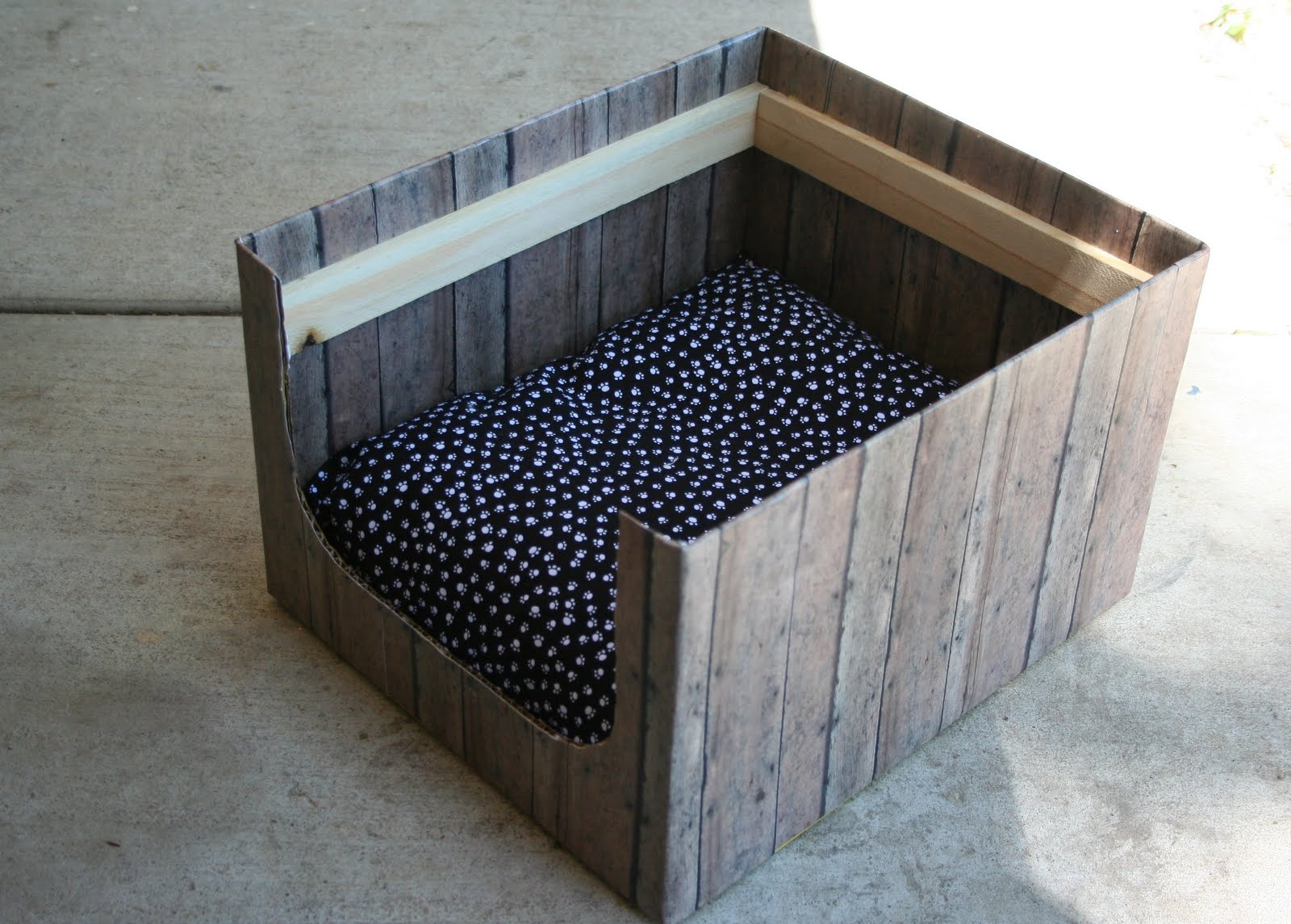 jane of all trades pet bed from aldi box. Black Bedroom Furniture Sets. Home Design Ideas