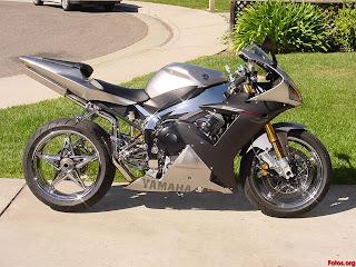 Motos yamaha color gris