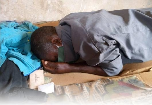 """Covid-19: Abeokuta based security guard dies by suffocation while wearing """"Face Mask"""" to sleep [Photo]"""