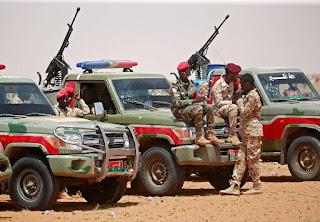 قوات الدعم السريع تعلن ضبط شحنة أسلحة ومتفجرات قادمة من ليبيا