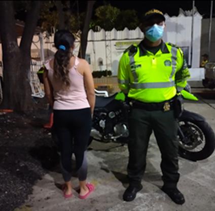hoyennoticia.com, Cayó mujer buscada por hurto por medios informáticos
