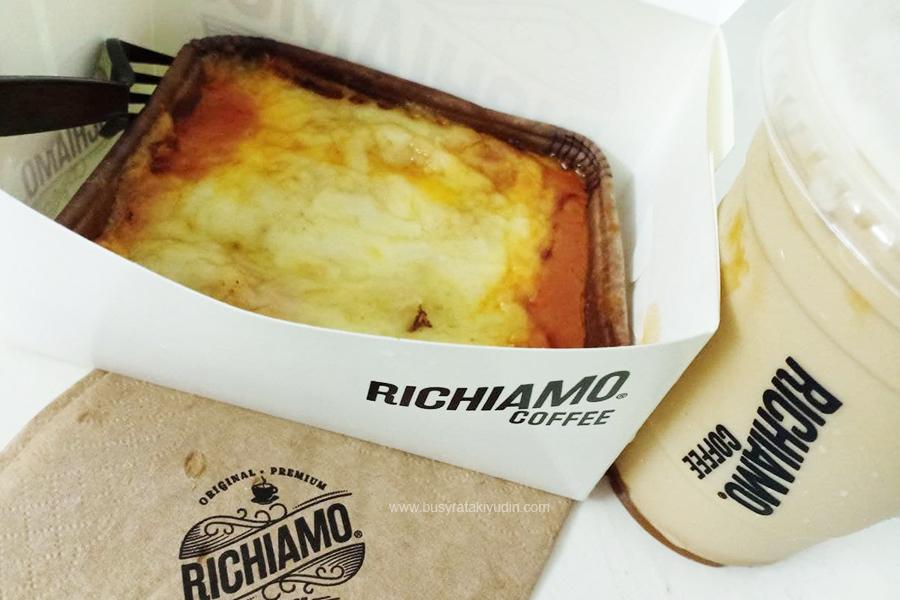 Salted Caramello Cappuccino di Richiamo Coffee, Chicken Lasagna, Richiamo Coffee Alor Setar,