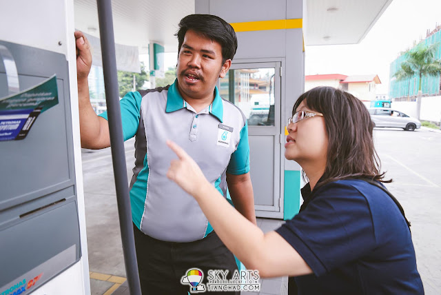 Khairul - A helpful Petronas Station attendant showing us the right way to the first house