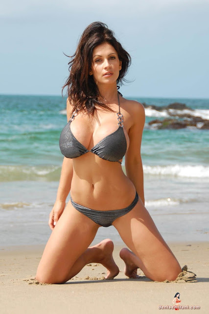 Denise-Milani-Beach-Silver-bikini-hottest-photoshoot-pics-18