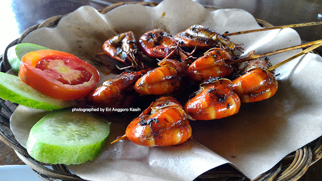 Udang bakar madu, menu favorit di RM Bio Tirta.
