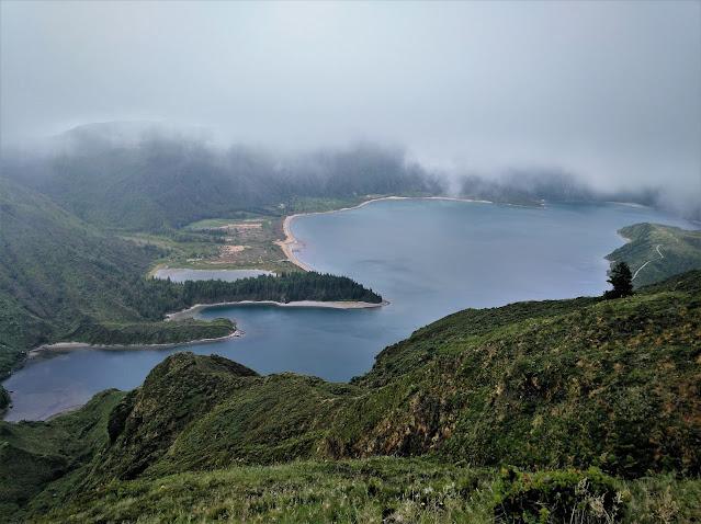 Lagoa do Fogo desde el Miradouro de Barrosa