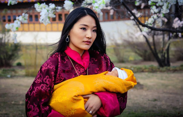 During the ceremony the King also received the Crown of the Druk Gyaltsuen (Queen) from the most sacred Machhen temple of the Dzong and bestowed it on Jetsun Pema, formally proclaiming her as Queen of the Kingdom of Bhutan.