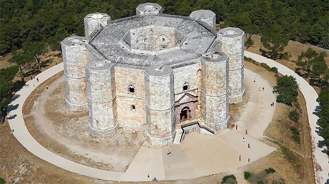 Castel del Monte em Bari