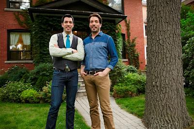 Gêmeos ajudam famílias que buscam transações imobiliárias vantajosas para conseguirem um novo lar - Divulgação