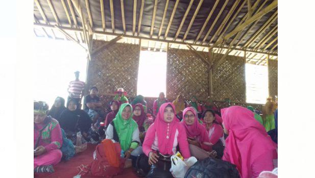 Ikhtiar Pasutri Jember Membangkitkan Kreatifitas Masyarakat Desa