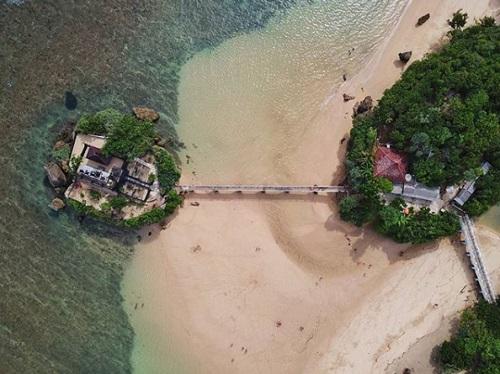 Destinasi Wisata Pantai Balekambang