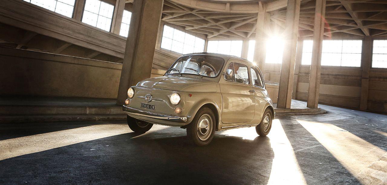 """Το project """"To Fiat 500 στη συλλογή του MoMA"""" (""""Fiat 500 entra al MoMA"""") έλαβε ένα από τα βραβεία Corporate Art 2017 για την πετυχημένη μεταμόρφωση του εμβληματικού Fiat 500 σε έργο τέχνης"""