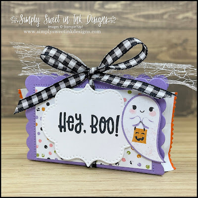 Cute and easy Hey, Boo treat holder with the Cute Halloween suite...perfect sweet for friends and neighborhood trick-or-treaters!