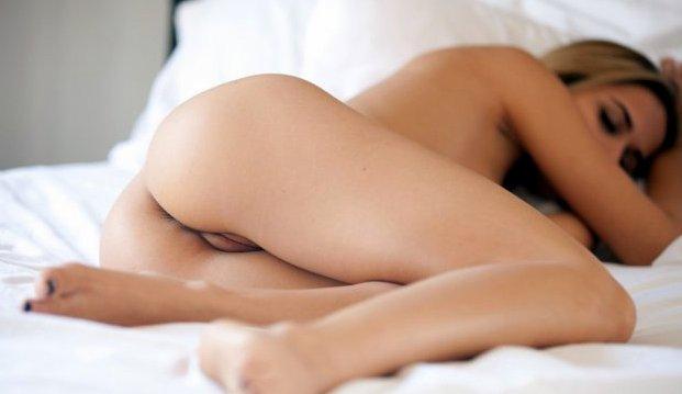 Девушка сопротивляется во время анального секса с большим членом, фильмы сочная женщина эротика
