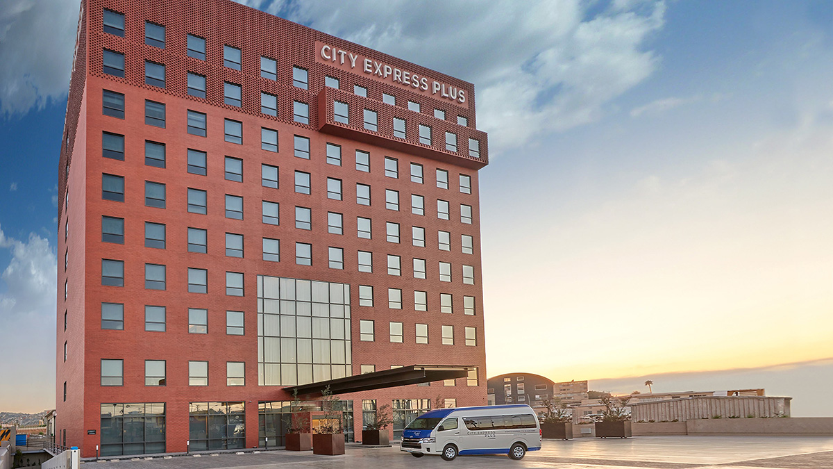 CITY EXPRESS INAUGURA HOTEL PLUS TIJUANA 02