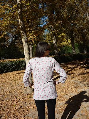 modistilla de pacotilla relaxed revista ottobre design  magazine 05/2016 woman mujer cal joan flancos sudadera de verano