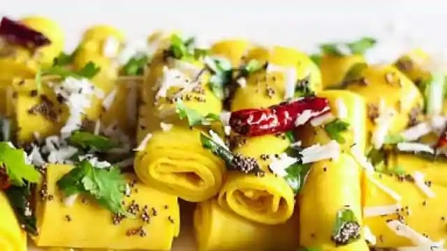 How to make khandvi, Gujarat special recipe