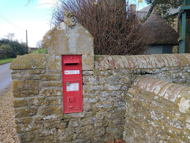 Priority postbox at Charlcutt
