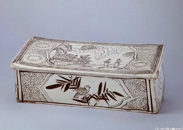 Vì sao thời xa xưa con người thường sử dụng vật liệu từ sứ để gối đầu