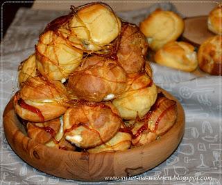 https://swiat-na-widelcu.blogspot.com/2020/02/croquembouche-ptysiowa-piramida.html