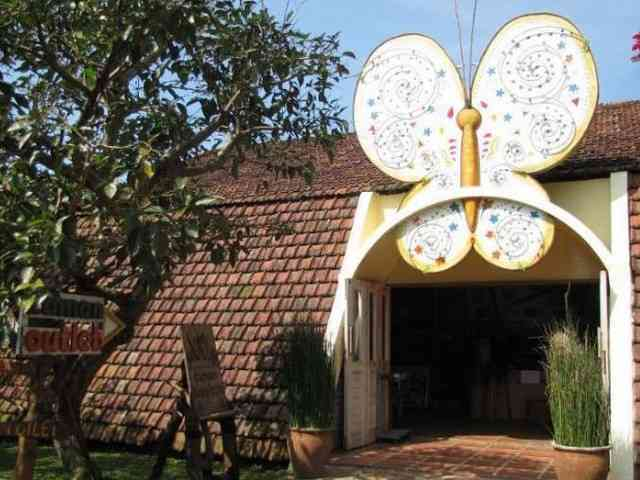Taman Kupu-kupu tempat wisata edukasi di bandung