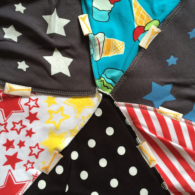Funky Giraffe bib review and giveaway
