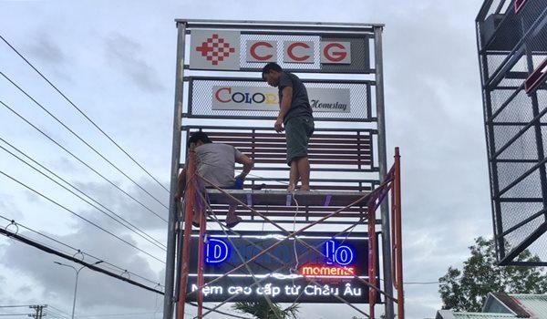 Làm bảng hiệu Alu gắn chữ nổi Mica tại Phú Quốc