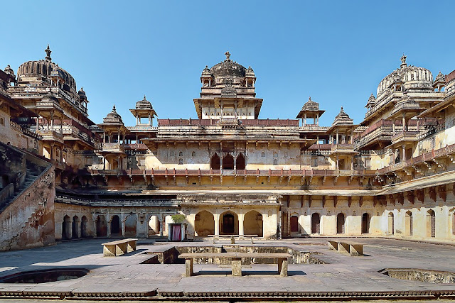 14 Insanely Photogenic Historical Places in North India, orchha fort