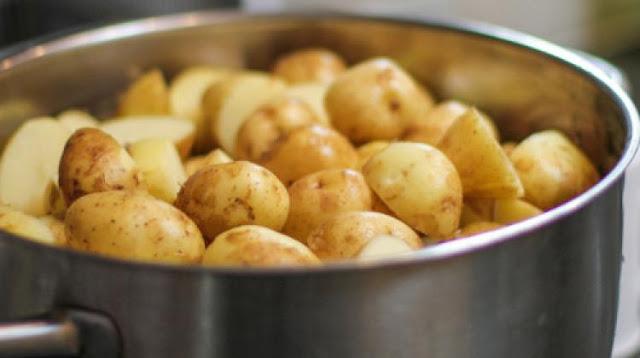 Zašto bismo trebali piti vodu iz kuvanog krompira?