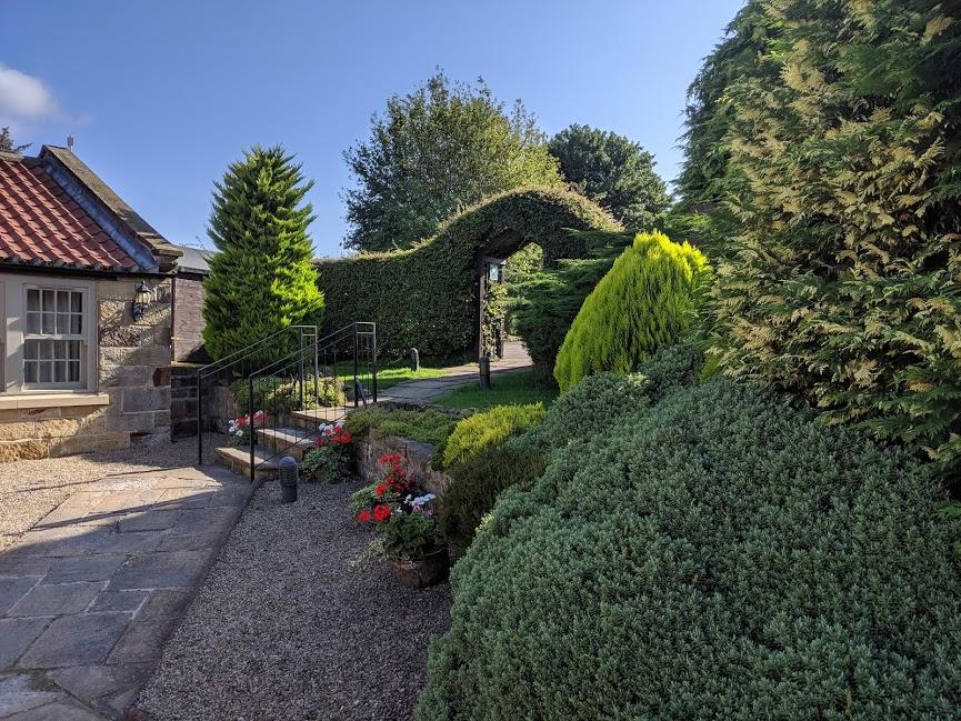 The King's Head Inn Pub near Roseberry Topping - Accommodation garden