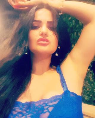 بالفيديو والصور سما المصري تثير الجدل في فستان يبدو مثل قميص نوم!