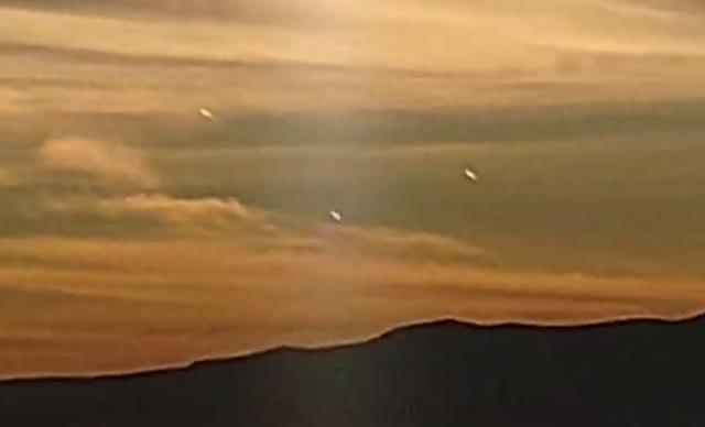 Ovnis durante el amanecer sobre San Diego de Alejandría, México 13/01/2021