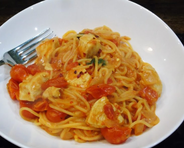 SYN FREE ONE POT CHEESY CHILLI CHICKEN PASTA