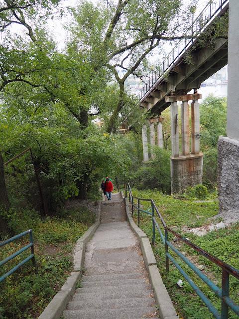 Владивосток, лестница вдоль фуникулера