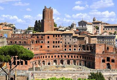 I Mercati di Traiano, la Casa dei Cavalieri di Rodi e la Torre delle Milizie - Visita guidata in maschera per famiglie con bambini
