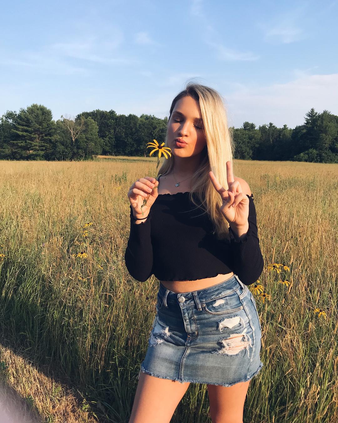 Emily Tressa - Most Beautiful Trans Girl Famous - TG Beauty